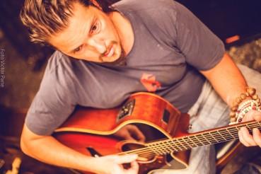 Alejandro Facal - Guitarra